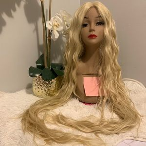 Platinum Blonde 613 Long 40 inch wavy wig